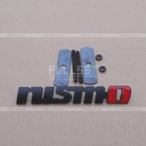 Эмблема в решетку Nismo