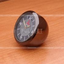 Часы с эмблемой Митсубиси