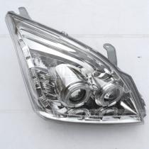 Передние головные фары Прадо 120 в хромированном исполнении с линзами и диодной полосой