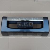 Накладка переднего бампера Toyota Land Cruiser 200 (08-...)