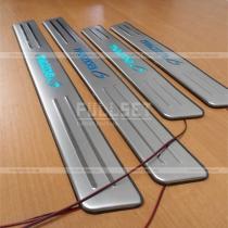 Порожки с подсветкой Mazda 6 (02-07)