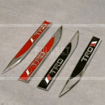 Эмблемки на крыло TRD