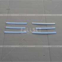 Хром-полоски решетки радиатора Renault Trafic (04-09)