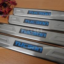 Накладки на пороги Hyundai Tucson (04-11)