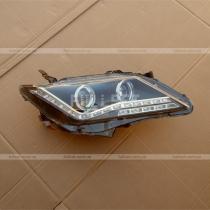 Передние фары Toyota Camry v50
