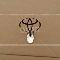 Эмблема капота Toyota