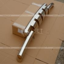 Защитная дуга вдоль переднего бампер с защитными зубьями, диаметр трубы 76 мм