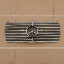Передняя решетка с эмблемой Mercedes W124 (86-95)