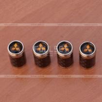 Декоративные колпачки на ниппеля с карбоновыми вставками