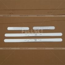 Накладки на пороги Fiat Linea (06-12)