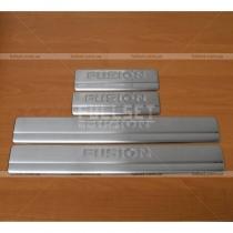 Накладки на пороги Ford Fusion (04-09)