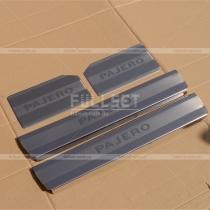 Накладки на пороги Mitsubishi Pajero Wagon 4 (08-13)