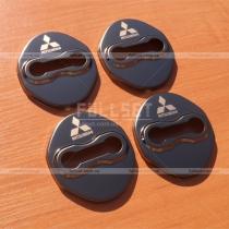 Накладки на петли дверных замков с эмблемой Mitsubishi в исполнении черный глянец