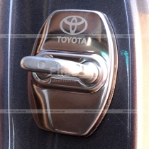 Накладки на замки Toyota