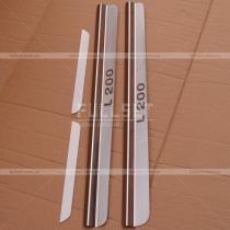 Накладки на дверные порожки с выгравированным логотипом L200