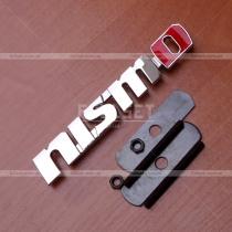 Эмблема в решетку Nismo (размер: 12,5 см на 2 см)