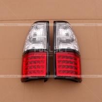 Задние светодиодные фонари с черной окантовкой