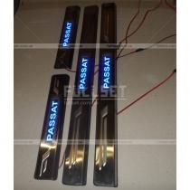 Накладки на пороги с неоновой подсветкой Passat