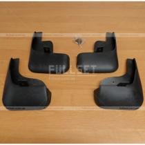 Штатные брызговики Nissan Tiida (04-09)