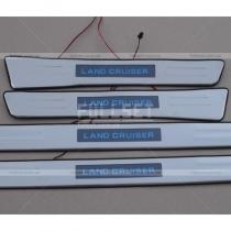 Накладки на пороги с неоновой подсветкой логотипа