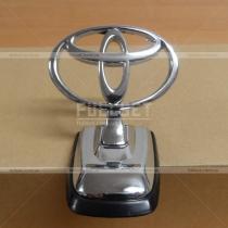 Логотип на капот Toyota Land Cruiser 100 (98-07)