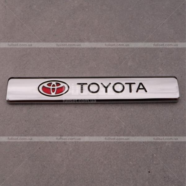 Эмблема на крыло Toyota